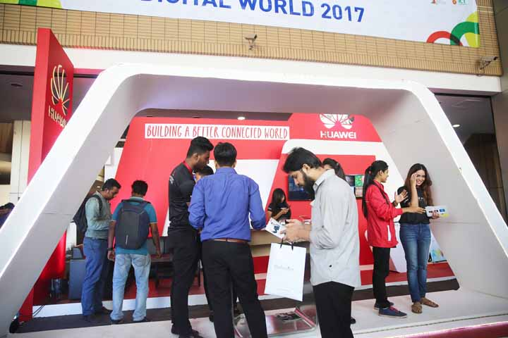Huawei in Digital World 2017 (1)